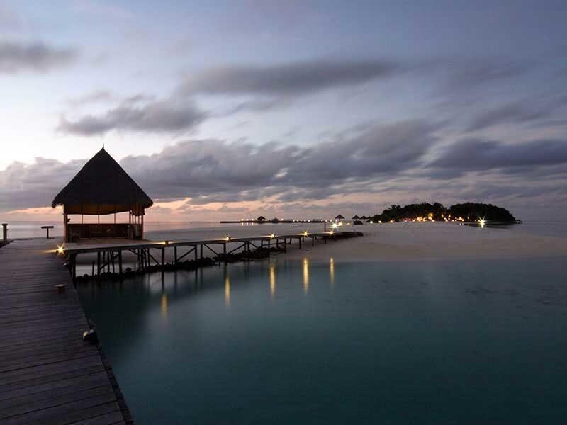 maldives_veligandu_island_resort_jetty